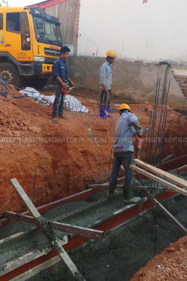 đào móng biệt thự phố mặt tiền 10m đổ móng