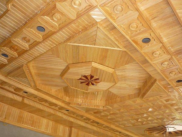 mẫu trần gỗ phòng khách 2