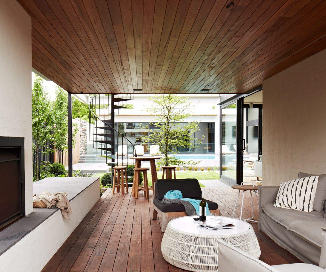 mẫu trần gỗ phòng khách 26