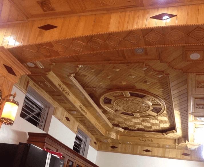 mẫu trần gỗ phòng khách 4