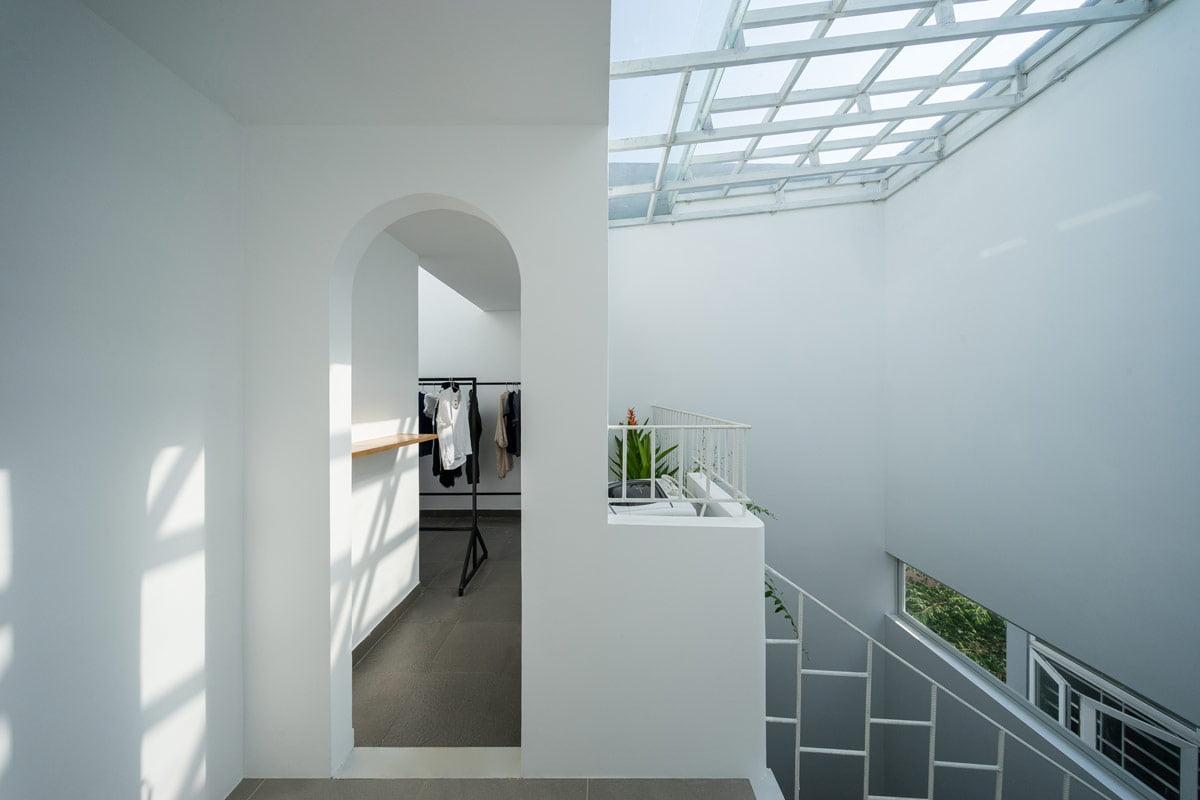 nhà phố hiện đại 5x20m phòng giặt