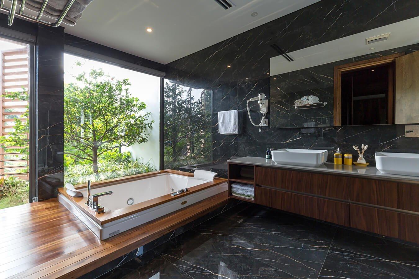 nhà phố hiện đại mặt tiền 12m phòng tắm