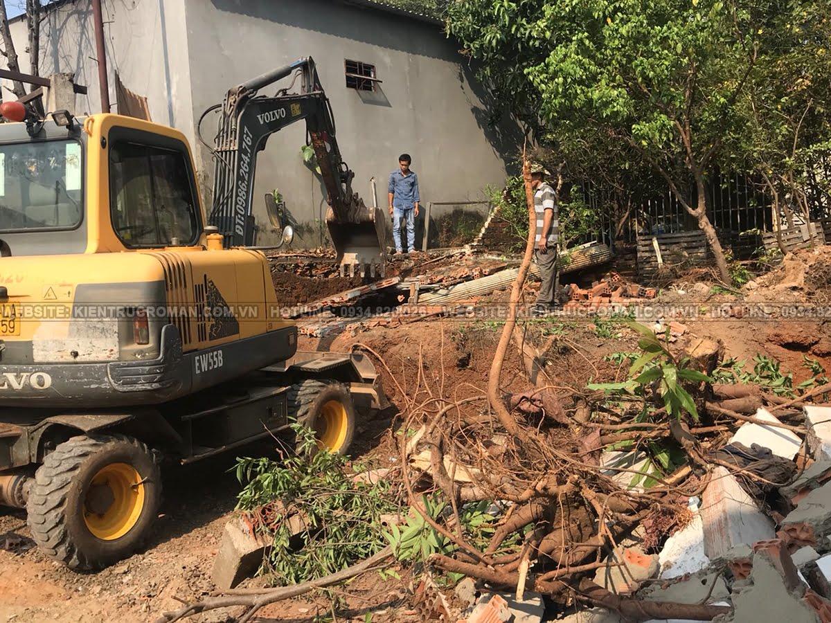 khởi công đào móng biệt thự phố mặt tiền 10m
