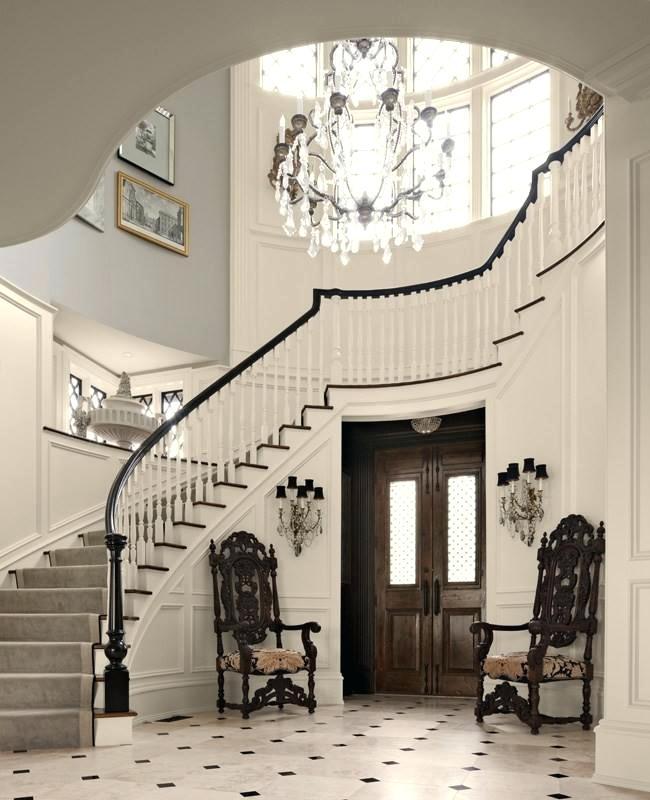 thiết kế cầu thang nhà lệch tầng 15
