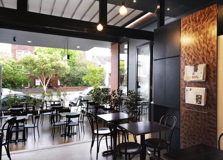mẫu thiết kế quán cafe đơn giản thịnh hành hiện nay 3