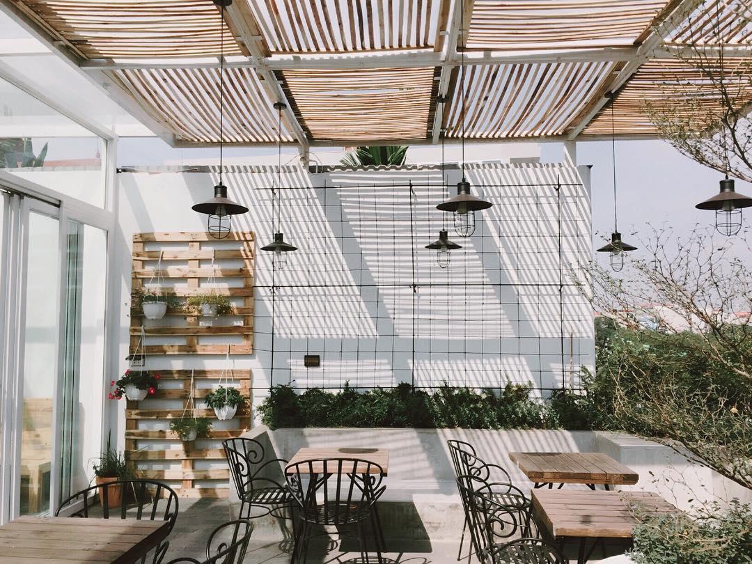 thiết kế quán cafe giá rẻ đẹp 13