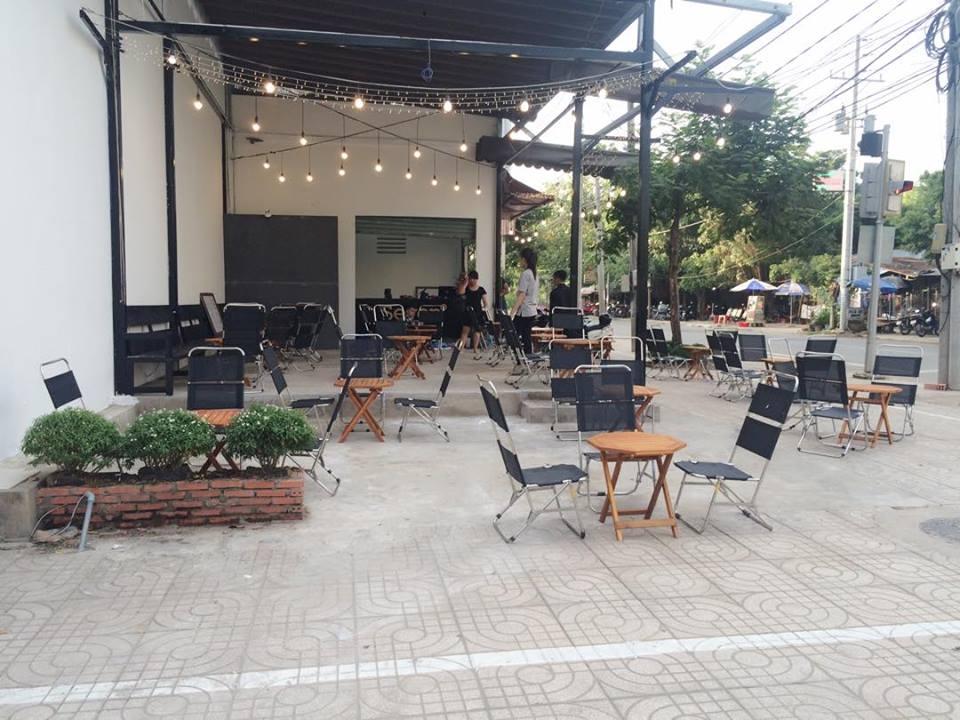 thiết kế quán cafe giá rẻ đẹp 17