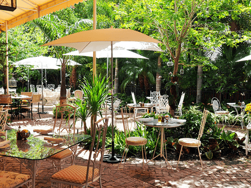 20 Mẫu thiết kế quán cafe sân vườn đẹp yên bình và thư giãn