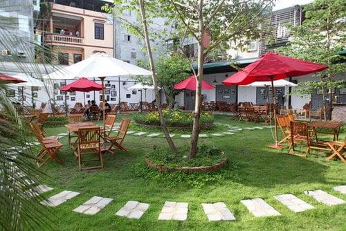 thiết kế quán cafe sân vườn đẹp 12