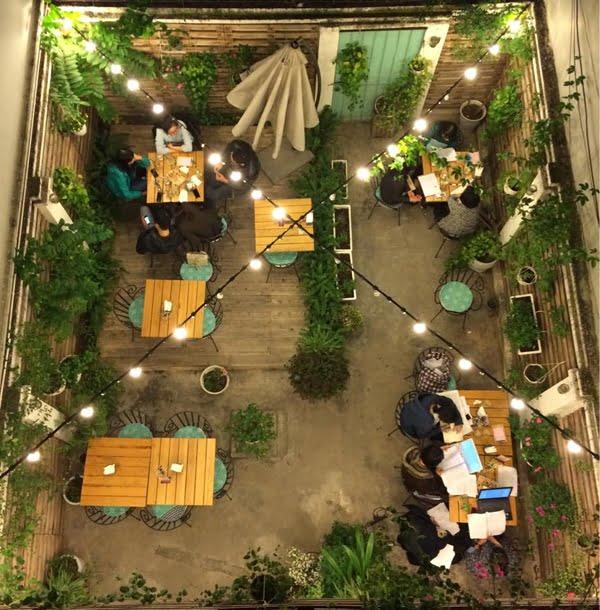 thiết kế quán cafe sân vườn đẹp 18