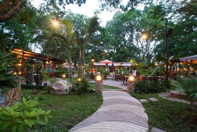 thiết kế quán cafe sân vườn đẹp 7