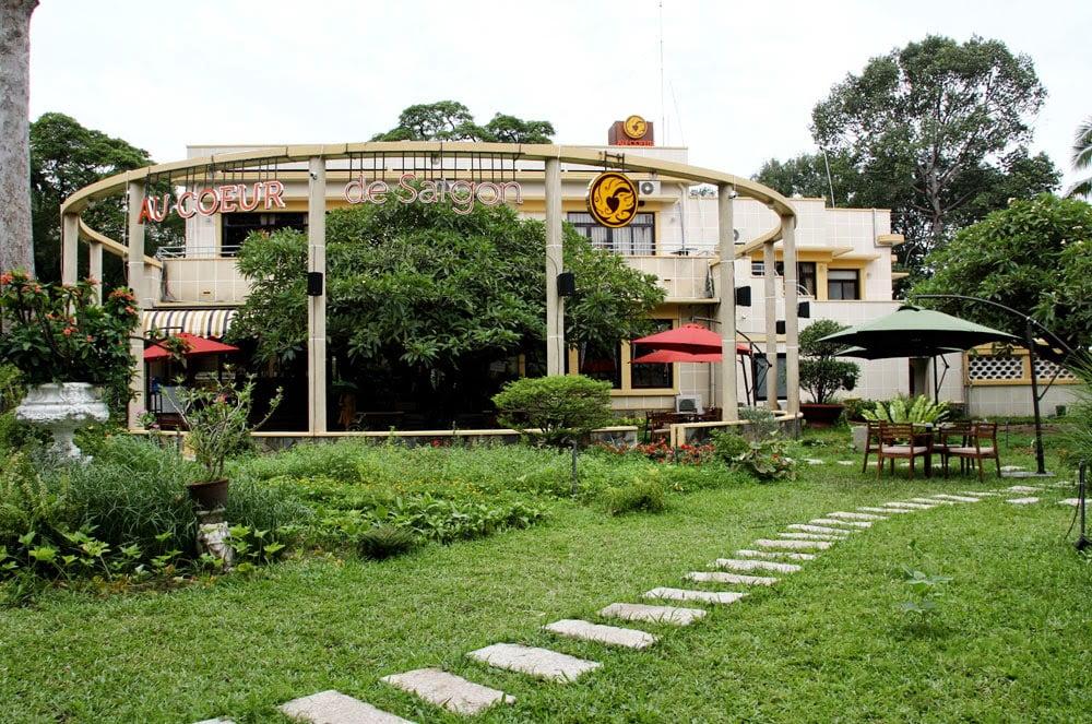 thiết kế quán cafe sân vườn diện tích nhỏ 17