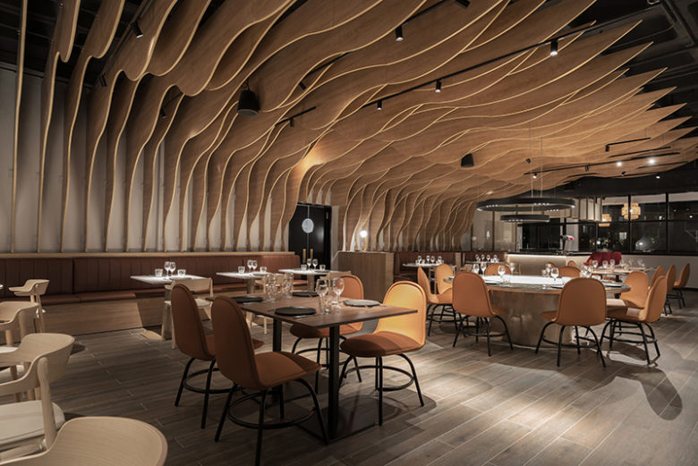 thiết kế thi công nội thất nhà hàng 15
