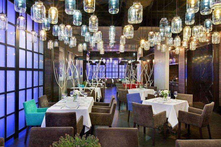 thiết kế thi công nội thất nhà hàng 9
